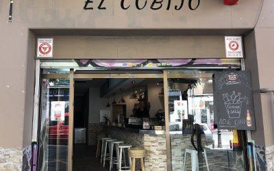 El Cobijo; el bar muy acogedor.
